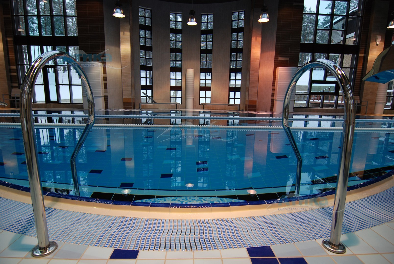 Решетка переливная для бассейна