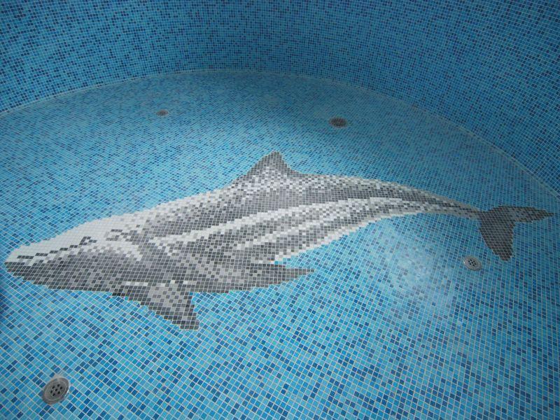 Мозаичное панно в бассейне