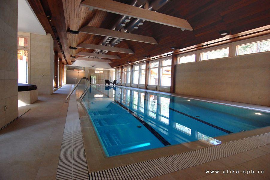 Частный бассейн для плавания