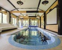 Скиммерный бетонный бассейн