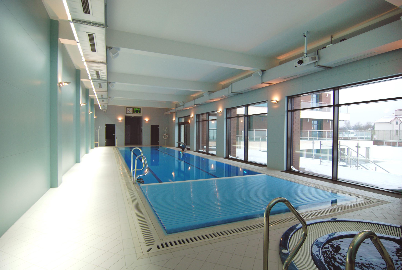 Помещение бассейна с приточно-вытяжной вентиляцией