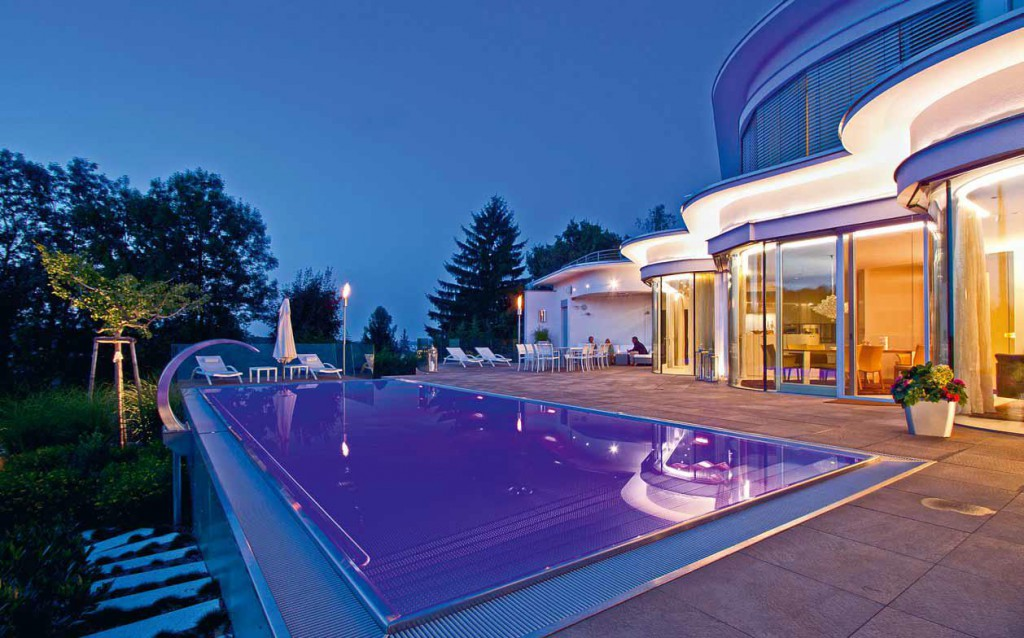 замена светильников в бассейнах