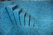 Дизайн лестницы в бассейне